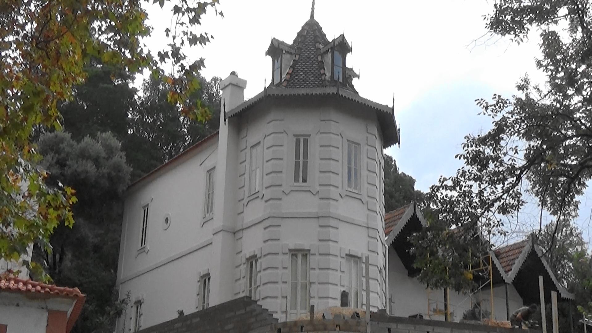 quirky buildings in caldas de monchique